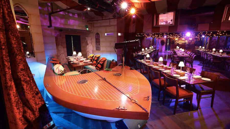 Bunga Bunga restaurant boat