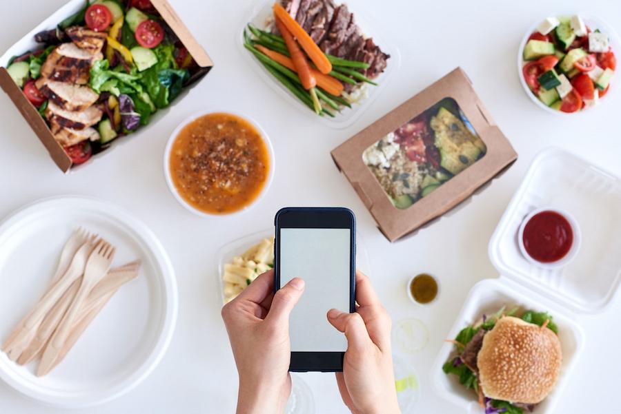 Restaurant customer service online ordering