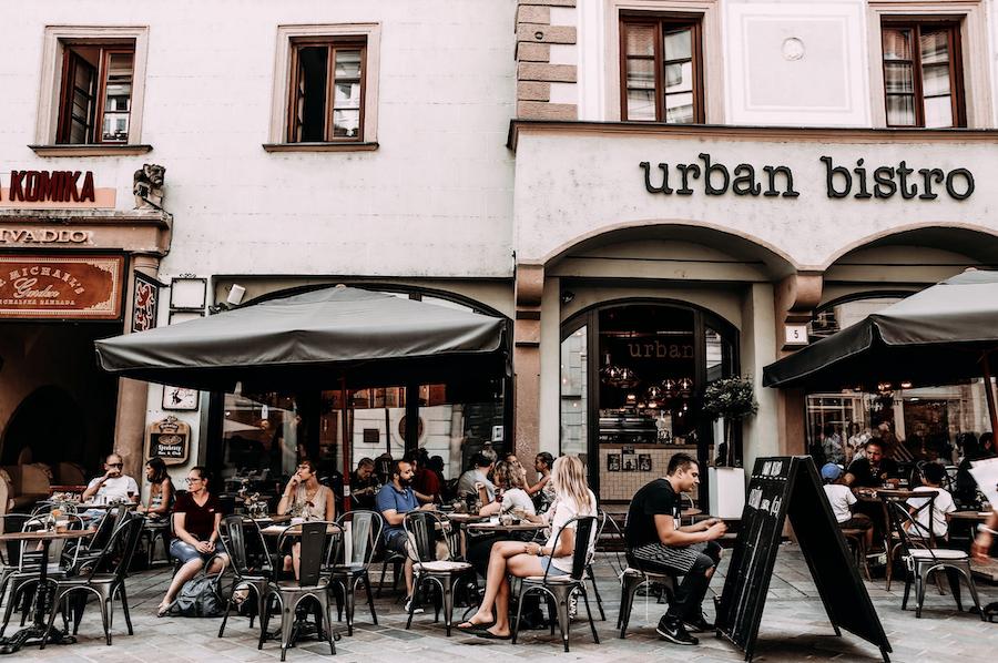 Free restaurant culture